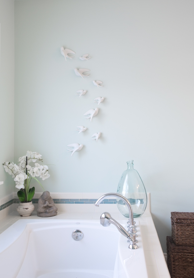 photo of bathroom sculptural artwork and accents