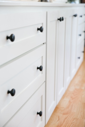 photo of shaker drawer detail